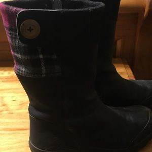 Keen gently worn boots
